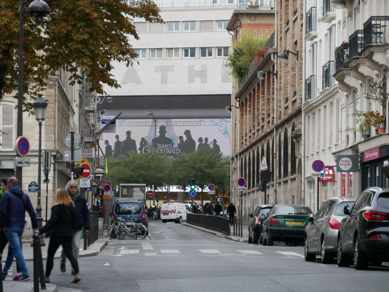 Fin de la rue vers le boulevard de Clichy.