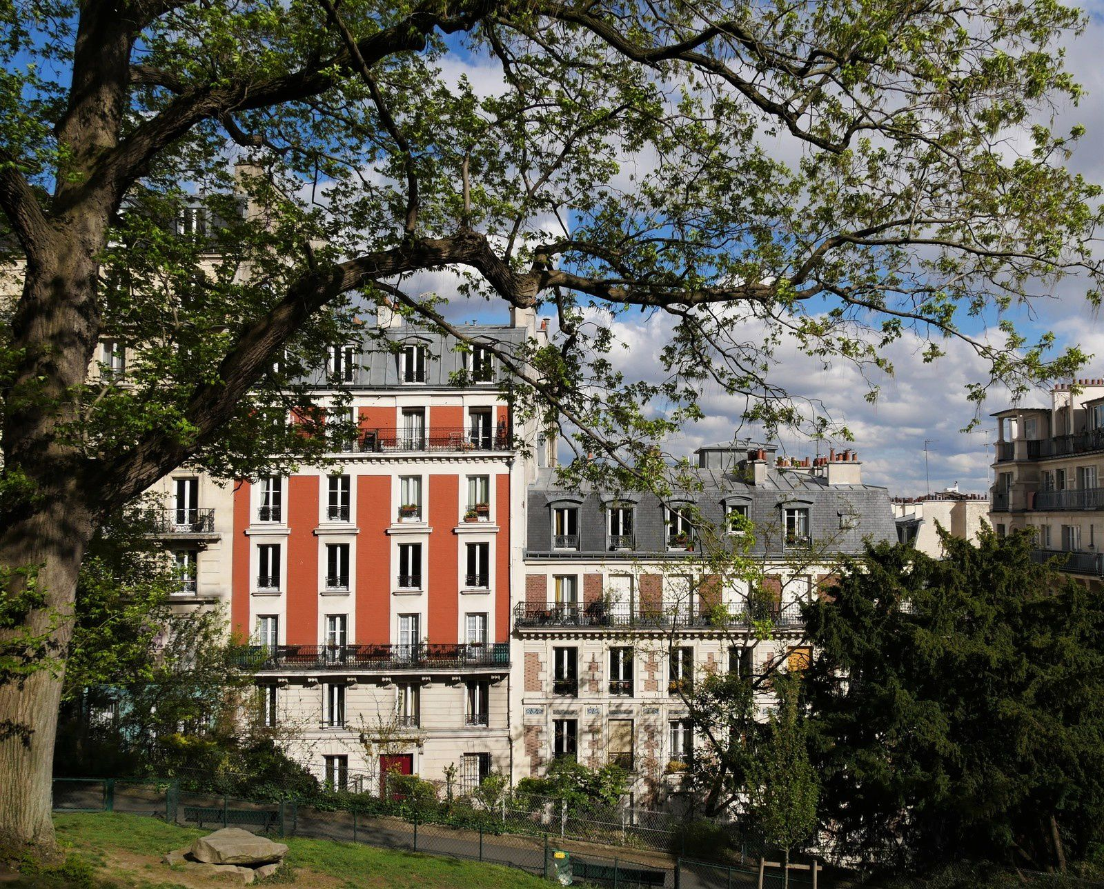 Photos de Montmartre, fin mars et avril.