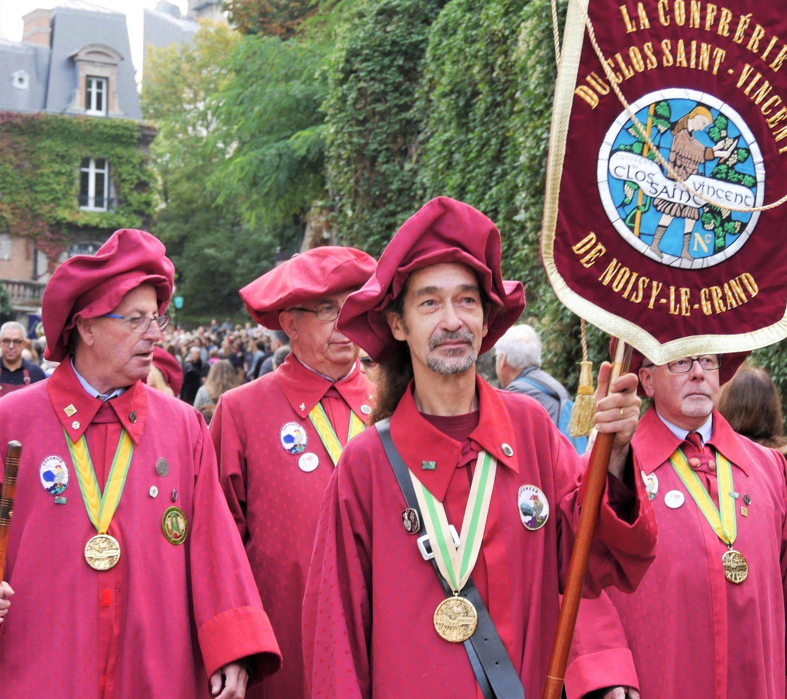12 octobre 2019 Fête des vendanges à Montmartre. Le défilé.
