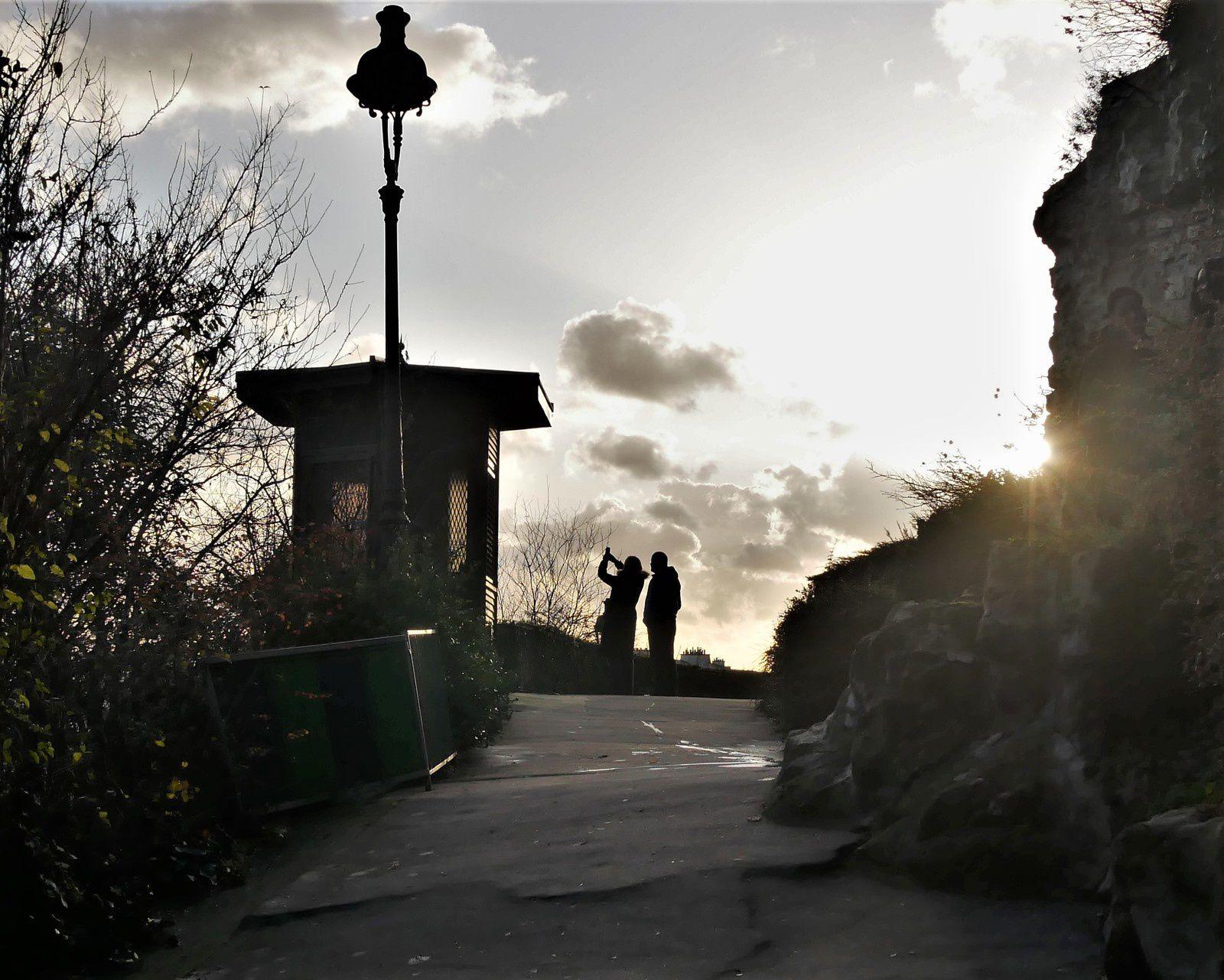 Décembre 2019. Une photo par jour à Montmartre. Album.