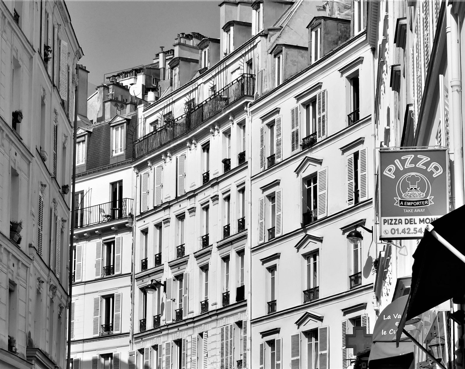 Photos de mars 2020. Montmartre. Album.