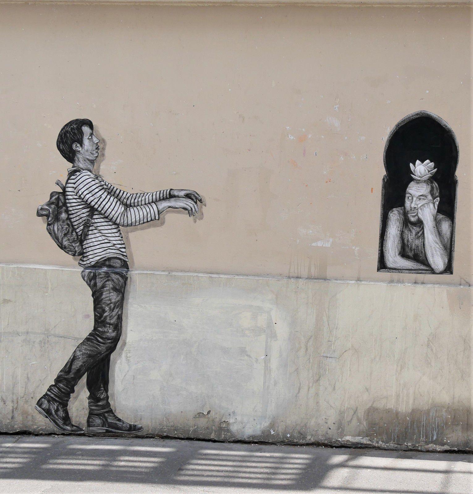 Levalet. Amour aveugle. 26 juin rue d'Orsel (mur du théâtre de l'Atelier)