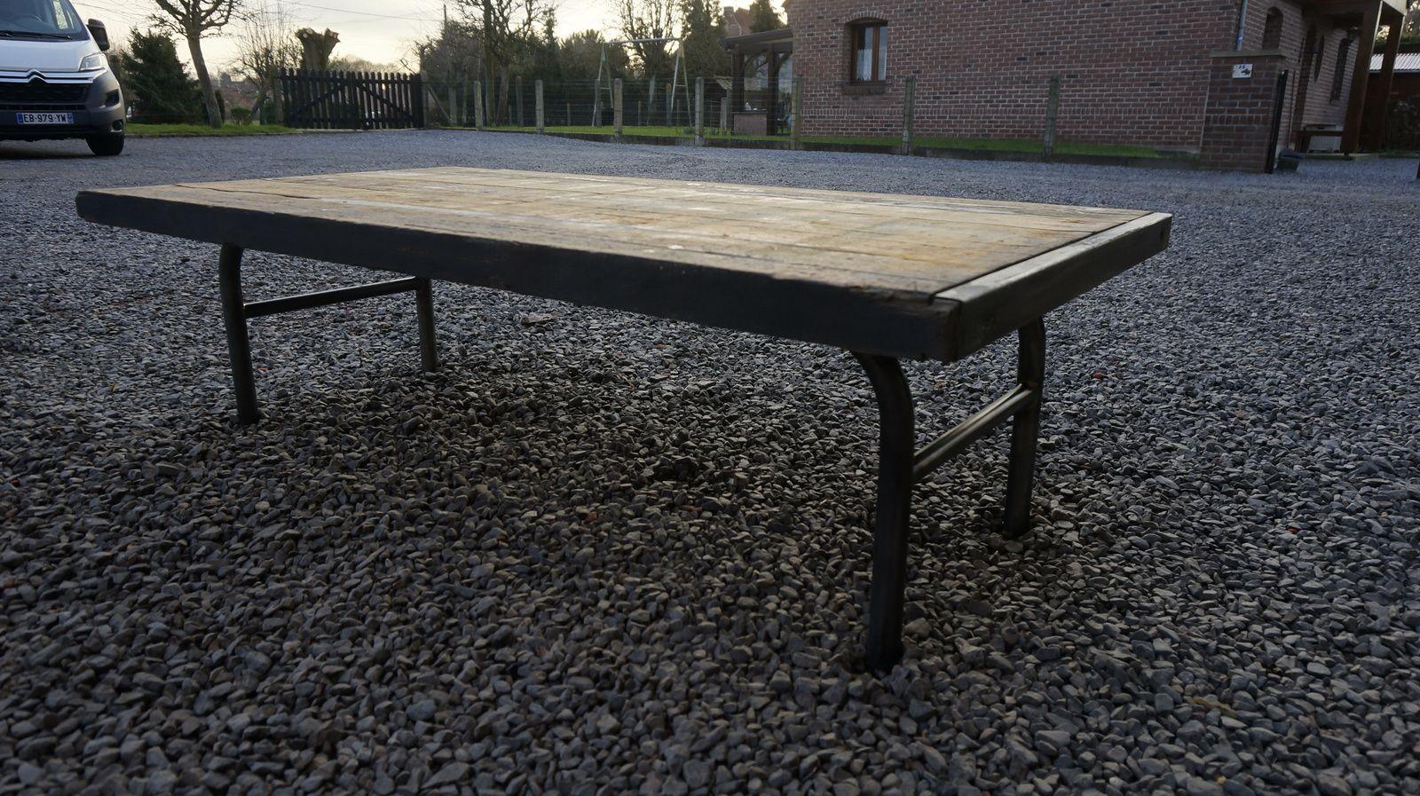 TABLE BASSE(VENDUE)