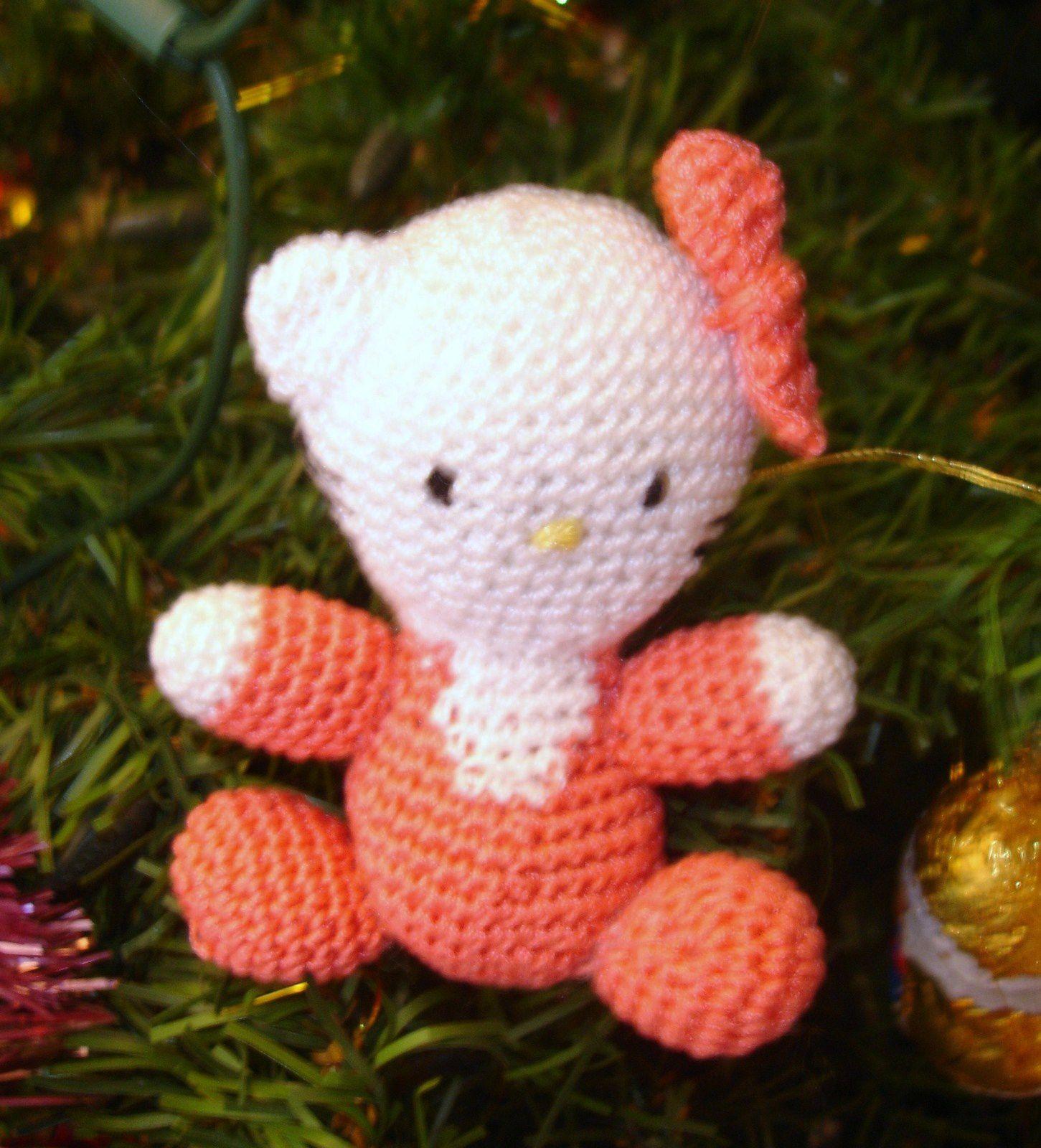 Hello Kitty au crochet - Bébé