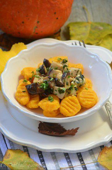 Gnocchis de potimarron et parmesan et une poêlée de cèpes aux couleurs de l'automne