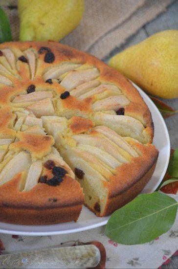 Gâteau poire, ricotta, raisins secs et cranberries, l'automne s'installe....