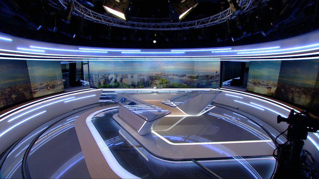 Nouveau plateau des JT de TF1 (Crédits : TF1)