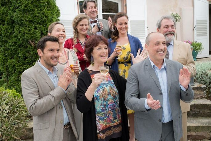 """""""Une famille formidable"""" (PANAMA PRODUCTIONS/TF1/ETIENNE CHOGNARD)"""