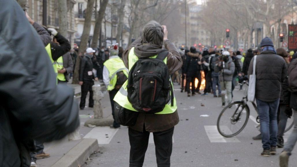 """""""Policiers et citoyens, une relation sous tension"""" (© Ecomedia)"""