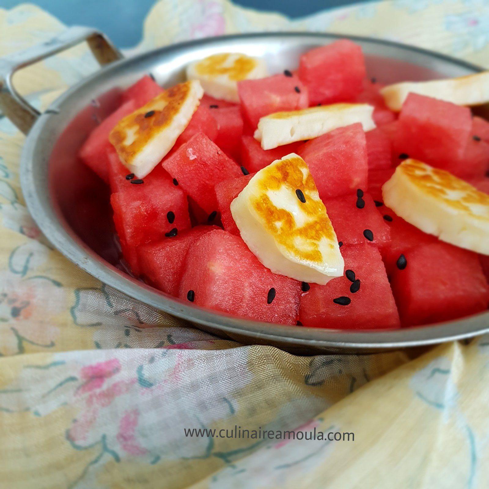 Salade de pastèque et halloumi grillé