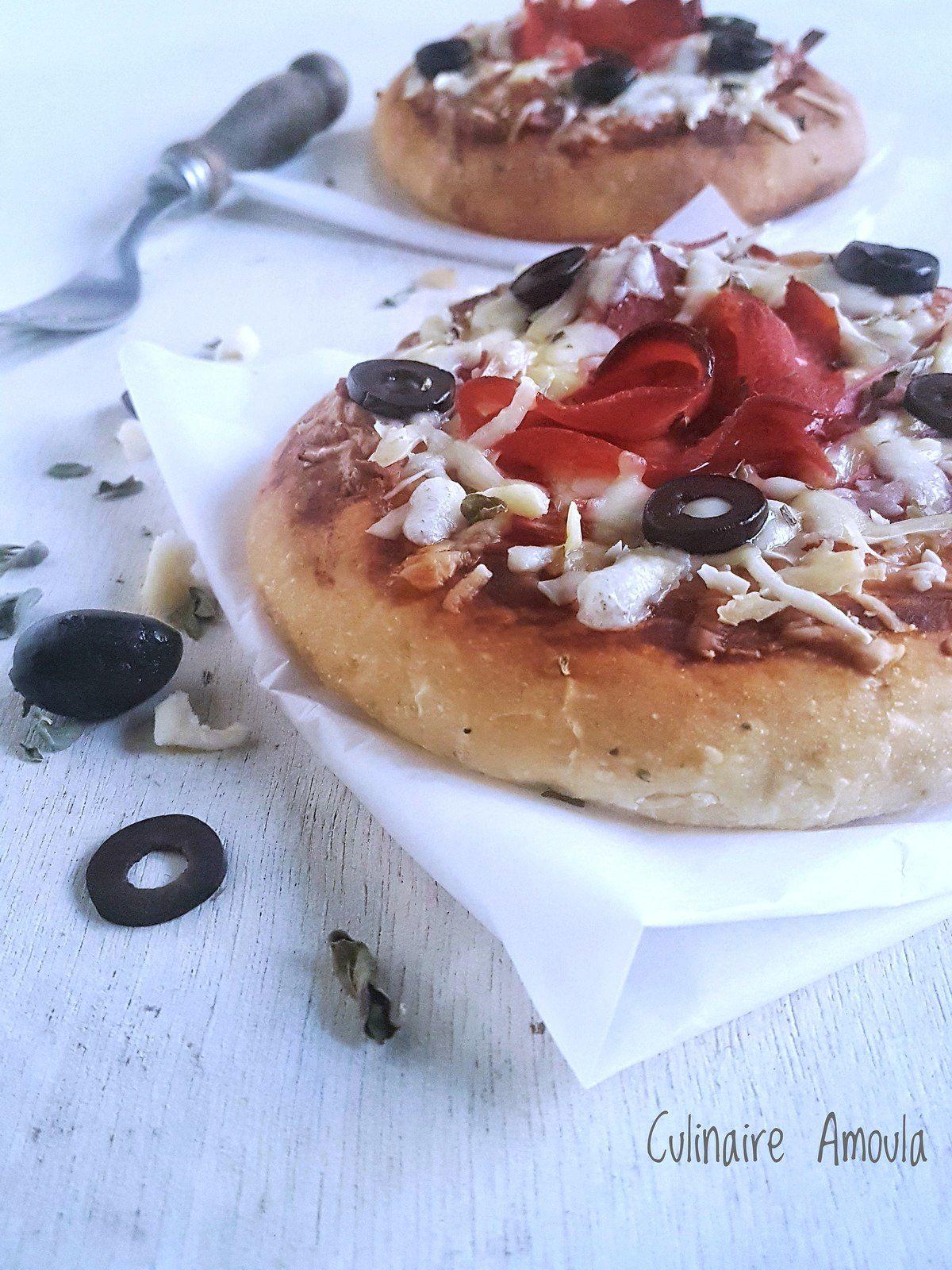 Pizza épaisse charcuterie et fromages