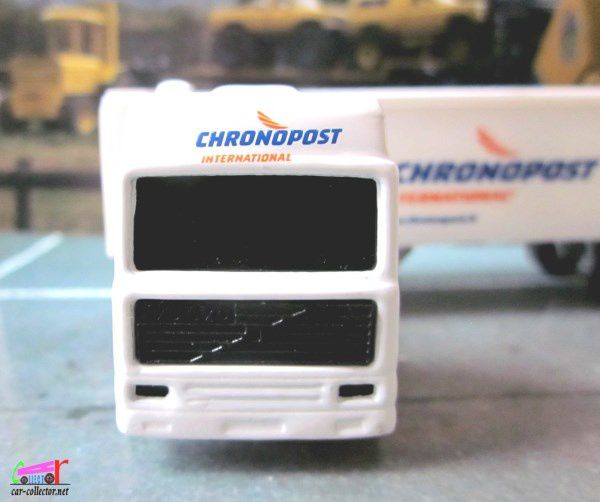 CAMION VOLVO CONTAINER CHRONOPOST INTERNATIONAL MAJORETTE 1/100