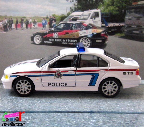 FASCICULE N°17 BMW 530D POLICE LUXEMBOURG HONGWELL 1/43