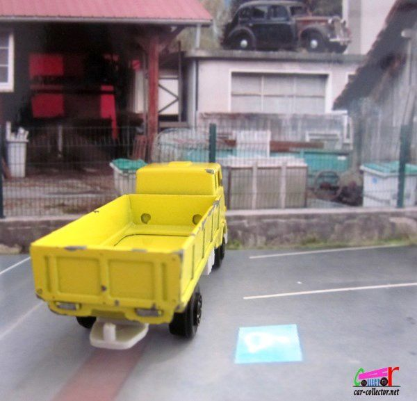 CAMION VOLVO F89 NOREV 1/90