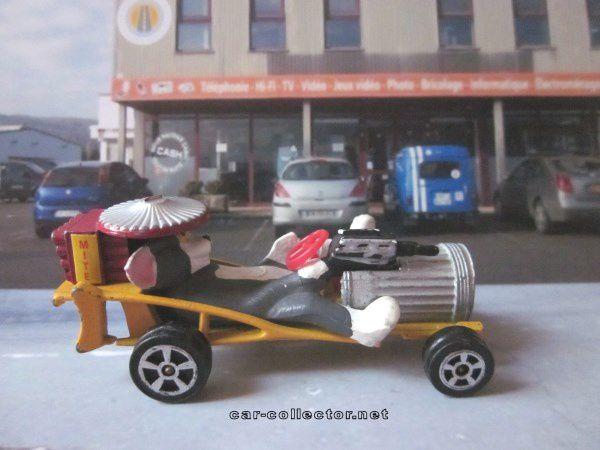 Série Wizzwheels de chez Corgi Juniors, made in Gt Britain, réf: 1013.