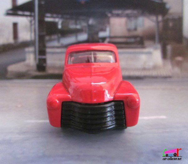 52 CHEVY TRUCK - CHEVROLET PICK-UP 1952 HOT WHEELS 1/64