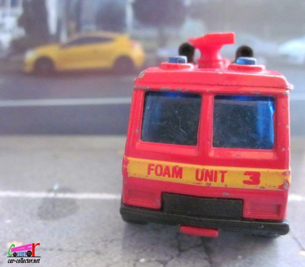 COMMAND VEHICLE METRO AIRPORT FOAM UNIT MATCHBOX 1/114