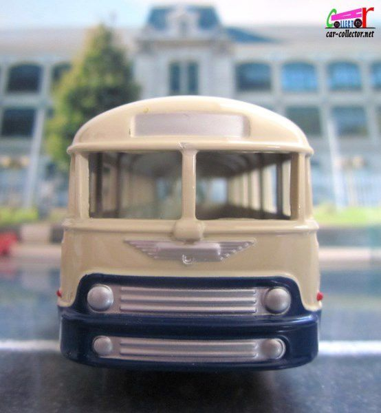 FASCICULE N°2 AUTOCAR CHAUSSON DINKY TOYS REPRODUCTION ATLAS