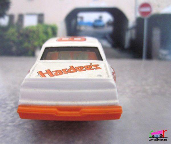 FORD THUNDERBIRD NASCAR 1984 CALE YARBOROUGH ERTL 1/64