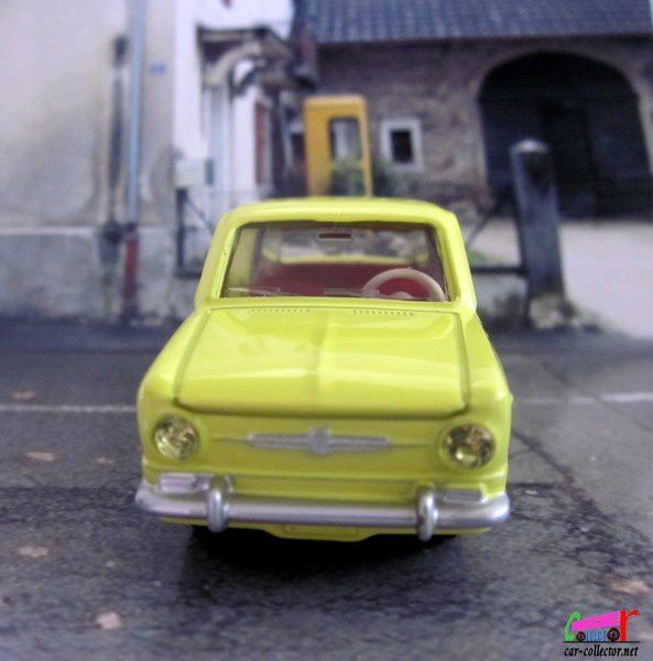 FASCICULE N°10 FIAT 850 DINKY TOYS REEDITION ATLAS 1/43