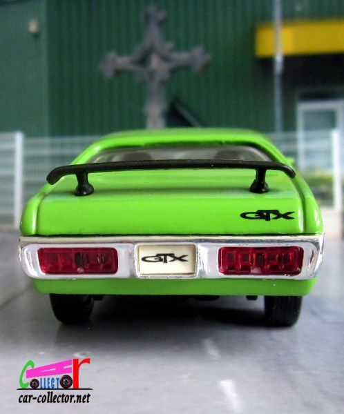PLYMOUTH GTX 1971 ROAD SIGNATURE 1/43
