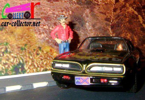 PONTIAC FIREBIRD 1967 CORGI 1/36