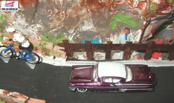 58 IMPALA HOT WHEELS 1/64 - CHEVROLET IMPALA 1958