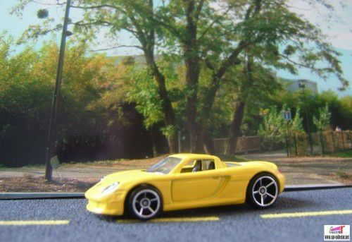 PORSCHE CARRERA GT HOT WHEELS 1/64