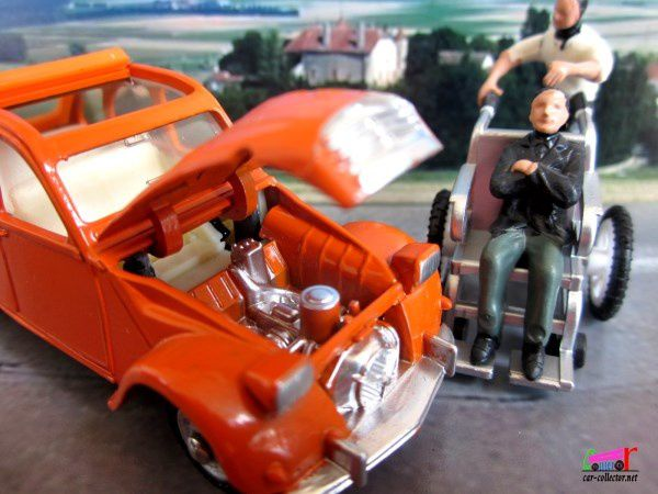 CITROEN 2CV BERLINE 1966 ORANGE CAPOTE OUVERTE DINKY TOYS SPAIN