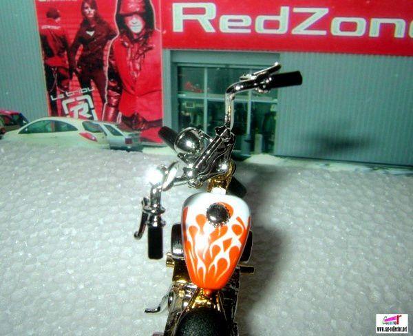 MOTO CHOPPER 1/18 CUSTOM MONDO MOTORS MOTORBIKE COLLECTION