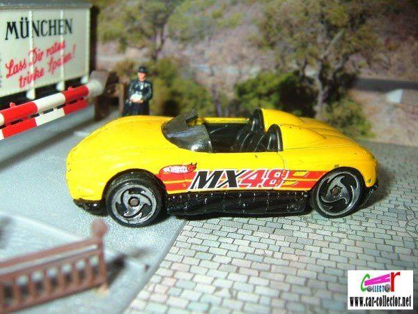 MAZDA MX 48 TURBO CABRIOLET HOT WHEELS 1/64 - MX48