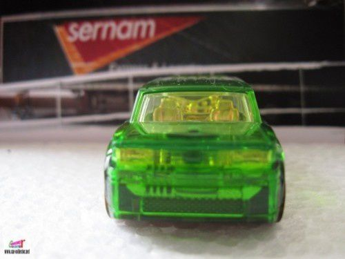 FORD SCION XB HOT WHEELS 1/64