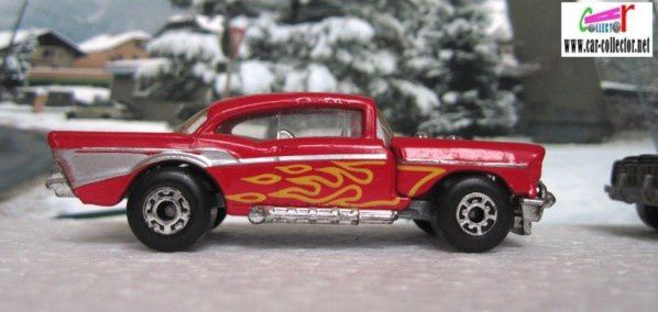 MB4-g. 57 CHEVY MATCHBOX SERIE SUPERFAST 1/66 MOTEUR SORTANT
