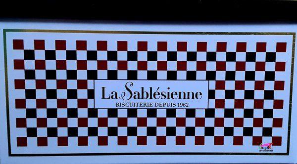 BOITE DE GATEAUX SABLES DE L'AUTOMOBILE CLUB DE LA SARTHE