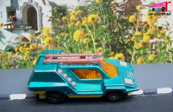 MB68-d. COSMOBILE SUPERFAST MATCHBOX LESNEY 1975