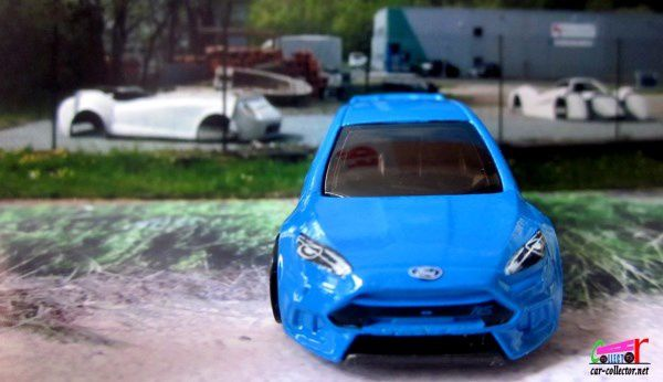 16 FORD FOCUS RS 2016 HOT WHEELS 1/64
