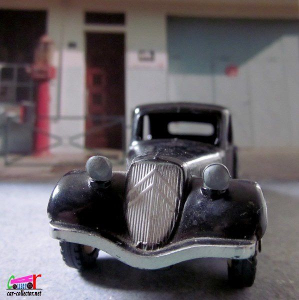 CITROEN TRACTION 11 BL DINKY TOYS MECCANO FRANCE 1/43