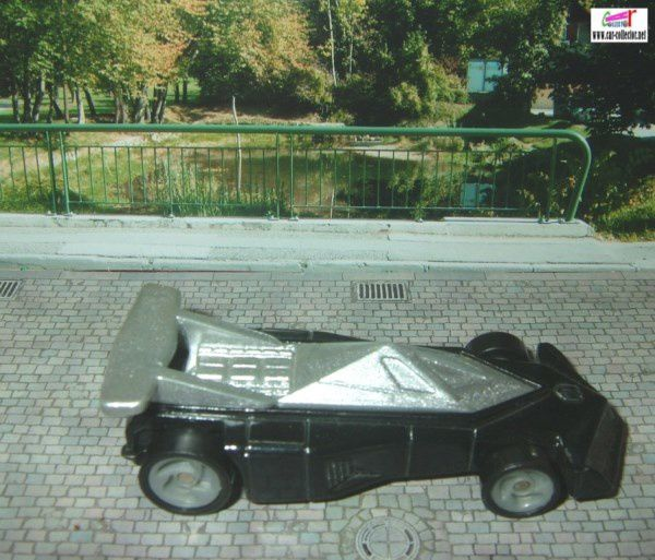 BLACK TRACK TORPILLE HOT WHEELS 1/64 MC DONALDS