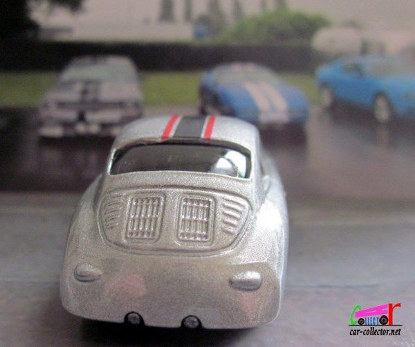 PORSCHE 356A OUTLAW HOT WHEELS 1/64