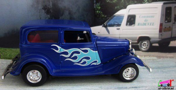 2603. 34 FORD SEDAN MAJORETTE 1/32