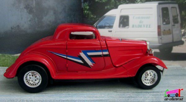 2601. 32 FORD COUPE HOT RODS MAJORETTE 1/32