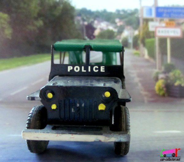 JEEP WILLYS POLICE FRANCE JOUETS 1/43
