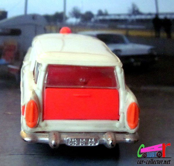 SIMCA VEDETTE MARLY AMBULANCE NOREV 1/43