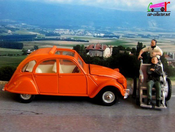 citroen-2cv-orange-dinky-toys-made-in-spain-1-43