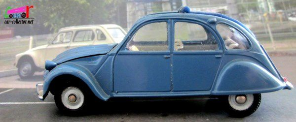 citroen-2cv-dinky-toys-modele-66-meccano-triang-made-in-france-1-43