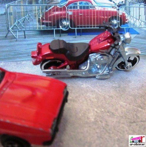 moto-harley-davidson-fat-boy-hot-wheels-1-64