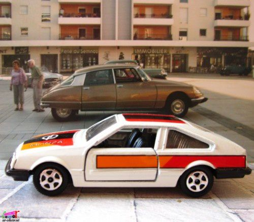 opel-monza-silver-special-hot-wheels-1-43