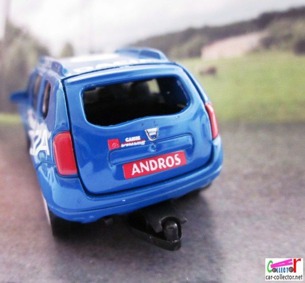RENAULT DACIA DUSTER ANDROS CAISSE D'EPARGNE NOREV 3 INCHES