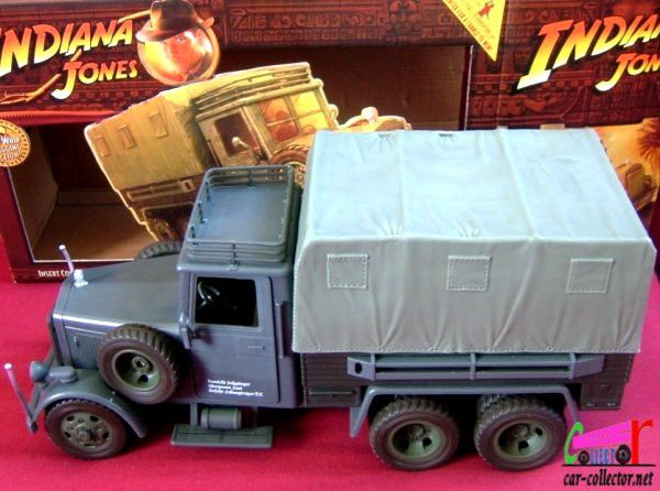cargo-truck-raiders-indiana-jones-john-harrisson-sean-connery-steven-spielberg-hasbro-1-18