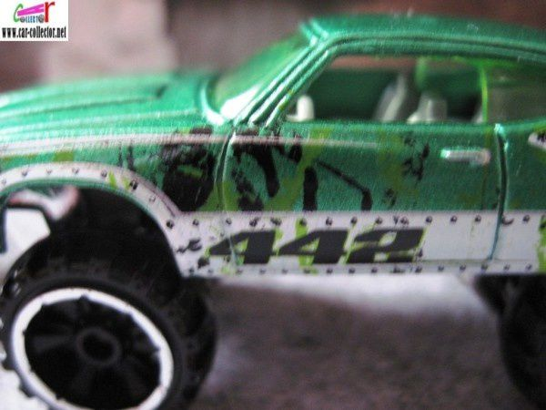 OLDS 442 W-30 REHAUSSE 4X4 HOT WHEELS 1/64
